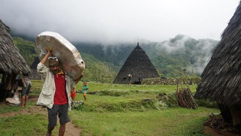 Kawasan Ekowisata Desa Waerebo Kini Dapat Mengakses Internet