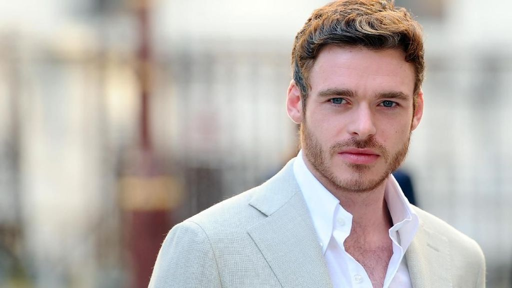 Richard Madden Masuk Bursa James Bond Pengganti Daniel Craig
