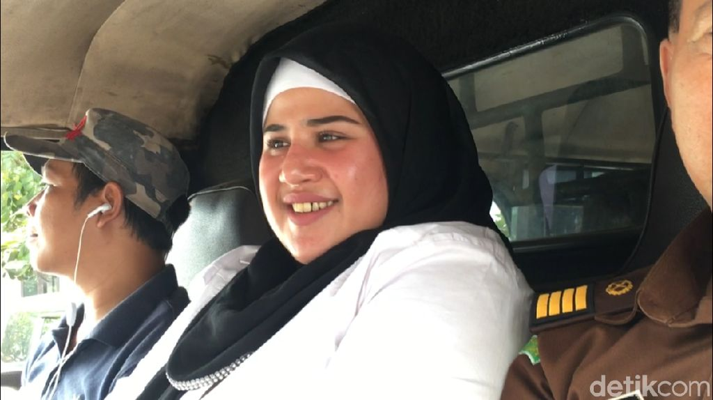 Dituntut 2 Tahun Rehab, Dhawiya Belum Tahu Minta Keringanan atau Tidak