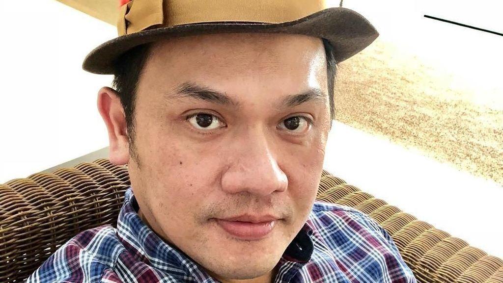 Farhat Abbas Bawa Alat Komunikasi, Galih Diisolasi