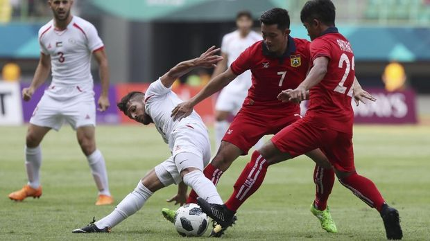 Para pemain Palestina memiliki stamina prima. (