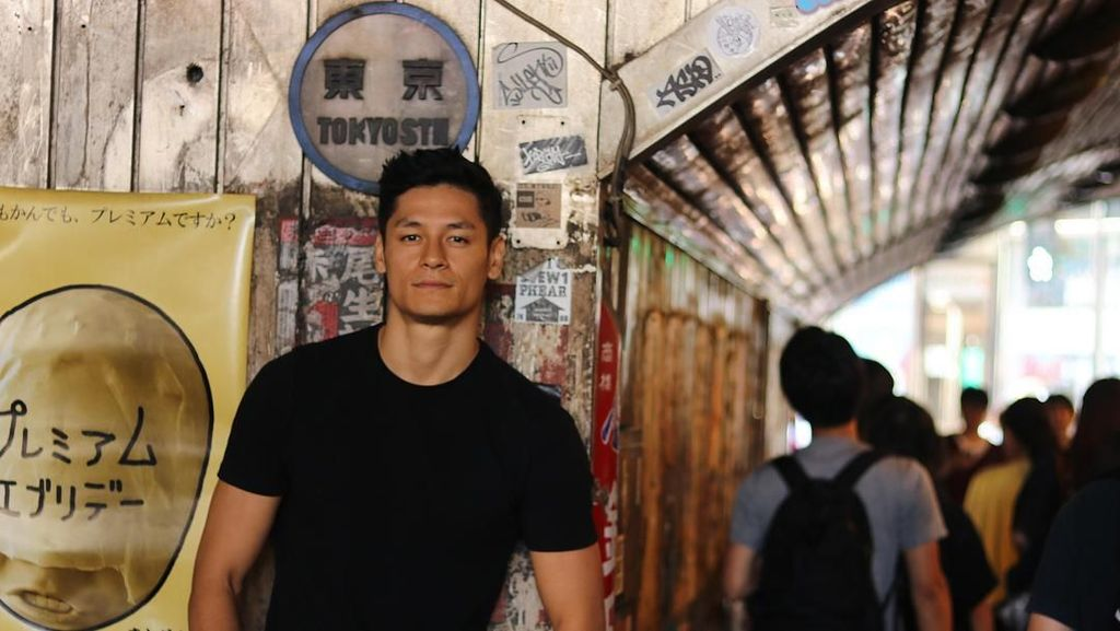 Mengintip Olahraganya Hideo Muraoka, Model Kekar Idola Lucinta Luna