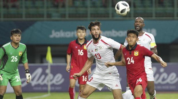 Para pemain Palestina memiliki para penendang jitu. (