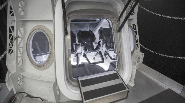 NASA Izinkan SpaceX Uji Terbang Crew Dragon ke ISS Maret