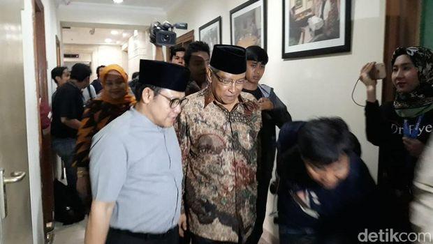 Ketum PKB Muhaimin Iskandar dan Ketum PBNU KH Said Aqil Siroj tampak menyambut kedatangan Ma'ruf