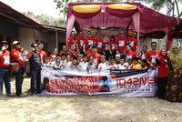 Komunitas Toyota Fortuner Melakukan Bakti Sosial di Banten.