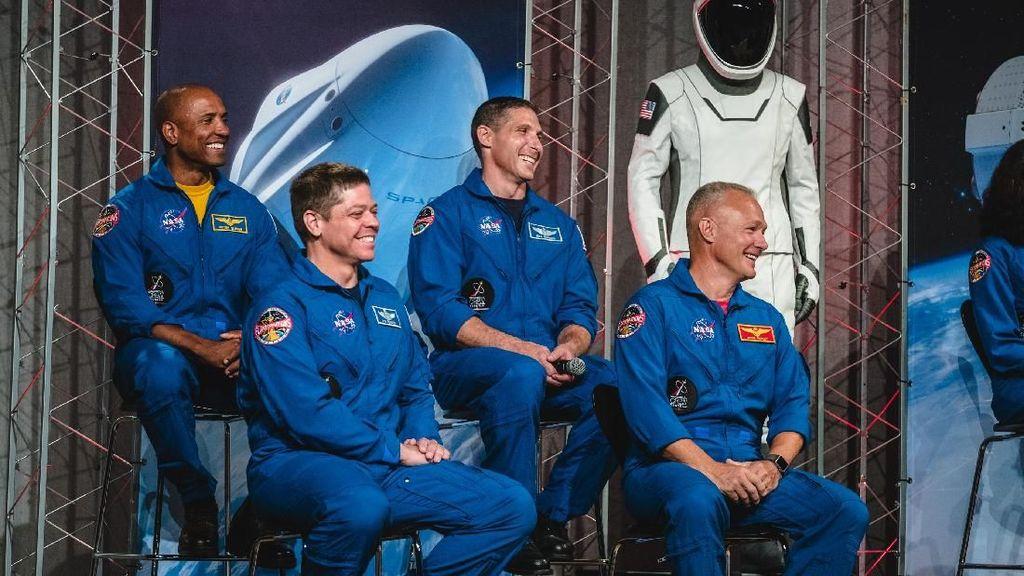Serba-serbi Misi Peluncuran Astronot Pertama SpaceX