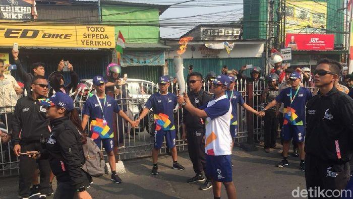 Obor Asian Games 2018 sampai di Jakarta hari ini dan akan dibawa keliling kota sampai Sabtu (Ibnu Hariyanto/detikcom)