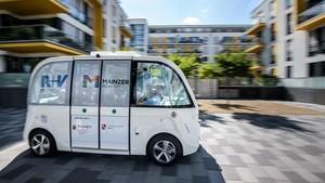 Melihat Uji Coba Bus Tanpa Pengemudi di Jalanan Kota Mainz Jerman