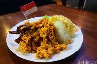 Warung Petualang: Gurihnya Karang Siring Kemuning hingga Nasi Krakatau