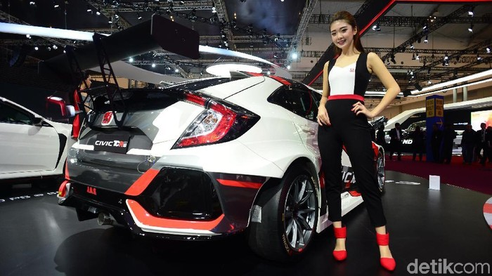 Orang Indonesia Kepincut Beli Civic Type R Soalnya Kencang?