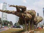 Djarot Puji Seni Bambu Anies, Tapi Tanya Kenapa Dipasang di HI