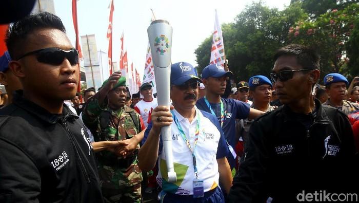 Pawai obor Asian Games 2018 disambut meriah (Foto: Grandyos Zafna)