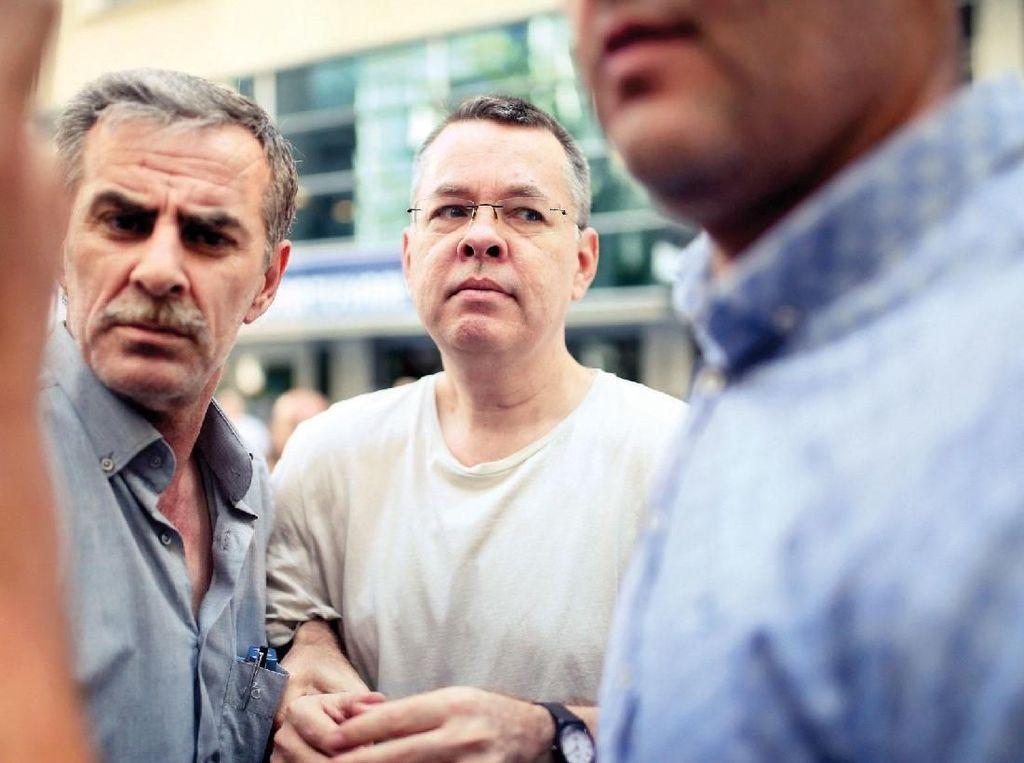 AS ke Turki: Lebih Banyak Sanksi Jika Pendeta Brunson Tak Bebas