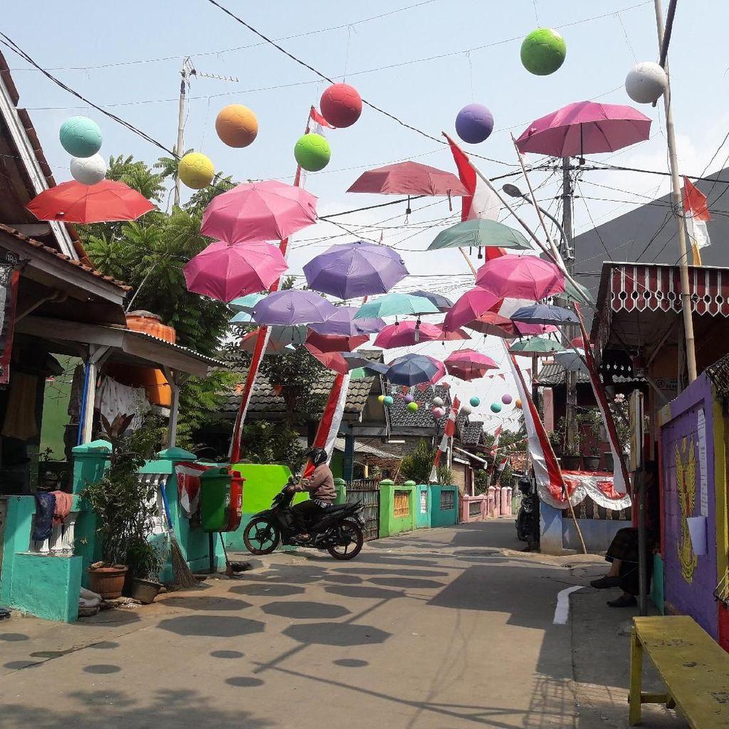Kampung di Bekasi Bersolek Sambut Hari Kemerdekaan RI