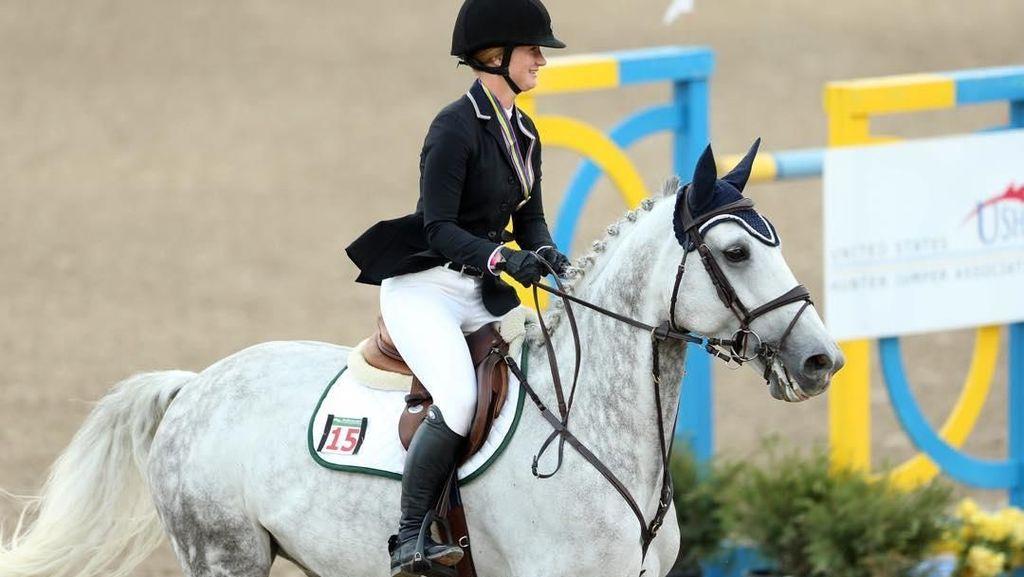Mengintip Gaya Putri Sulung Bill Gates, Jennifer yang Hobi Berkuda