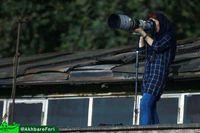 Dilarang Masuk Stadion Bola, Fotografer Wanita LIput Pertandingan dari Atap