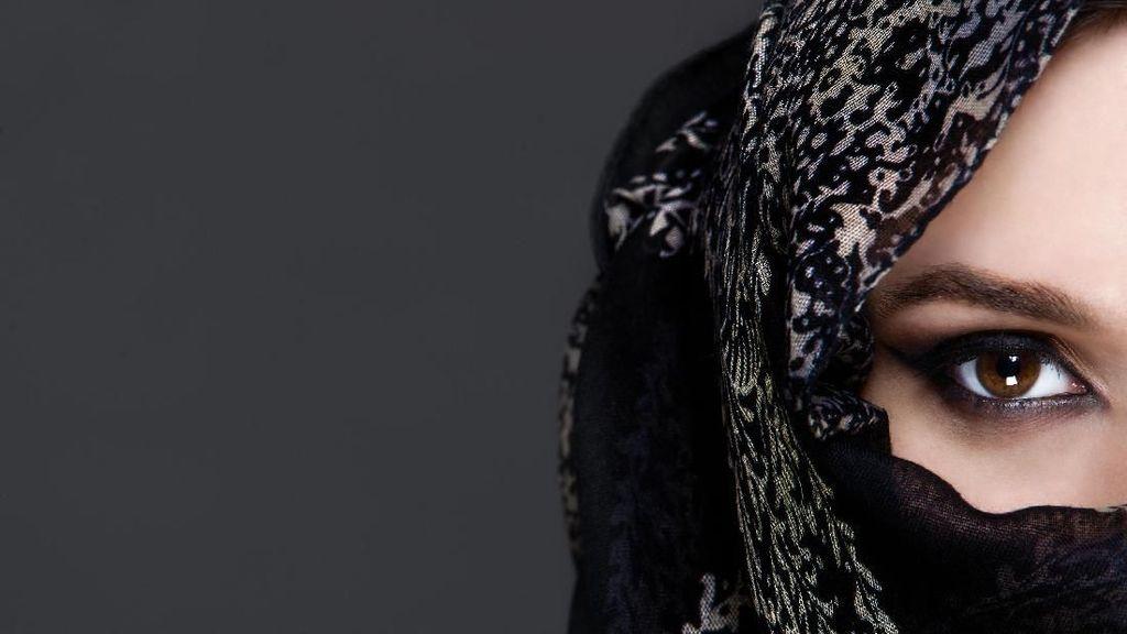 Viral, Artis Mesir Ini Ditawari Rp 200 Juta Agar Tak Lepas Hijab