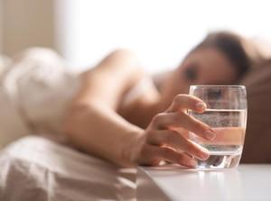 7 Minuman Terbaik Dikonsumsi Setelah Bangun Tidur