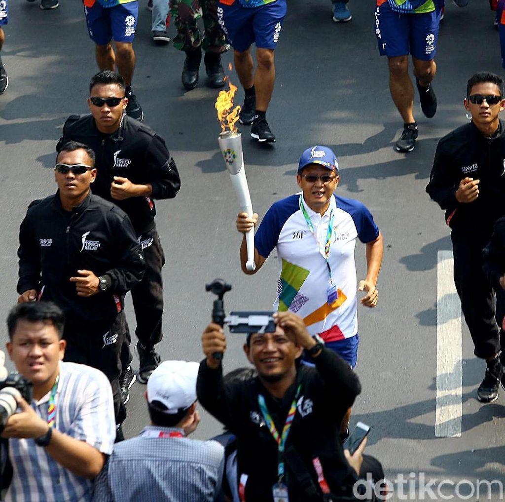 Video: Meriahnya Marching Band di Pawai Obor Asian Games 2018