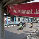 Dilewati Pawai Obor Asian Games, Toko dan PKL Pasar Kramat Jati Tutup