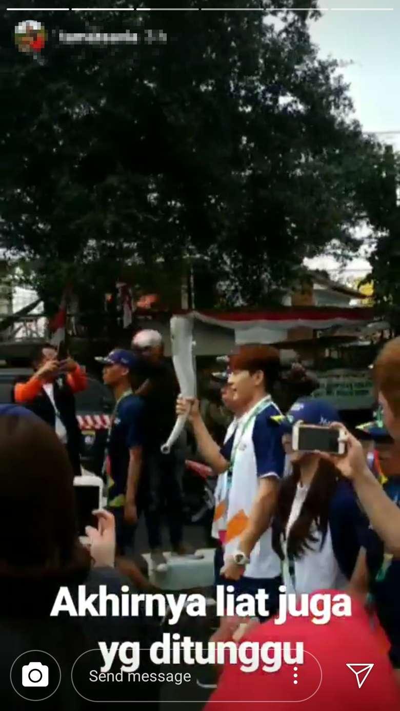 Kirab obor Asian Games 2018 ikut dimeriahkan oleh Choi Dong Wook atau dikenal sebagai Se7en, penyanyi terkenal asal Korea Selatan. Ikut menyaksikan pria berusia 33 tahun itu berlari bawa obor tidak? (Foto: Instagram)