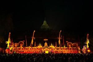 Suasana Syahdu Perayaan Waisak di Candi Borobudur