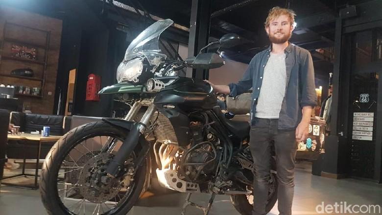 Michael Joy touring dari Irlandia menuju Australia, mampir ke Indonesia Foto: Rangga Rahardiansyah