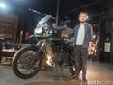 Bule Ini Jelajahi Dunia Pakai Motor, Mampir ke Jakarta