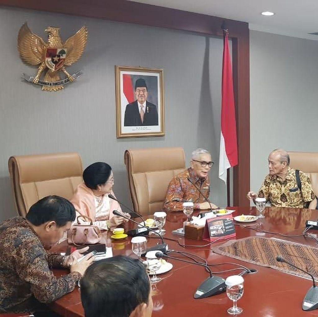 Kehangatan Mega-Mahfud MD Tutup Drama Cawapres Jokowi?