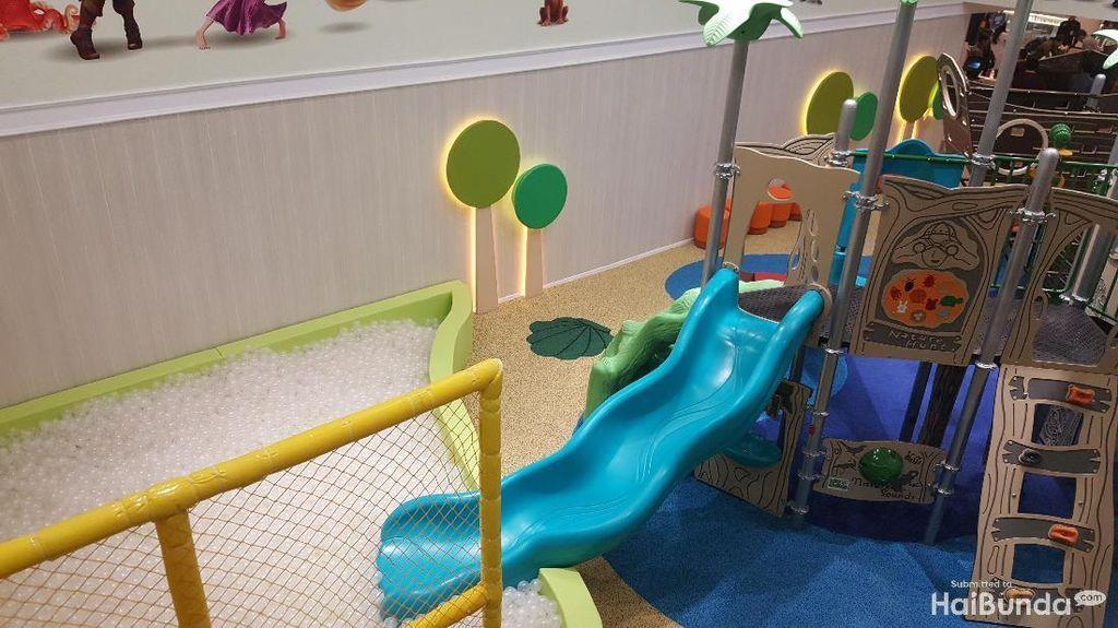 Saat Bunda-Ayah Nonton Bioskop, Anak Bisa Main di Playground Ini