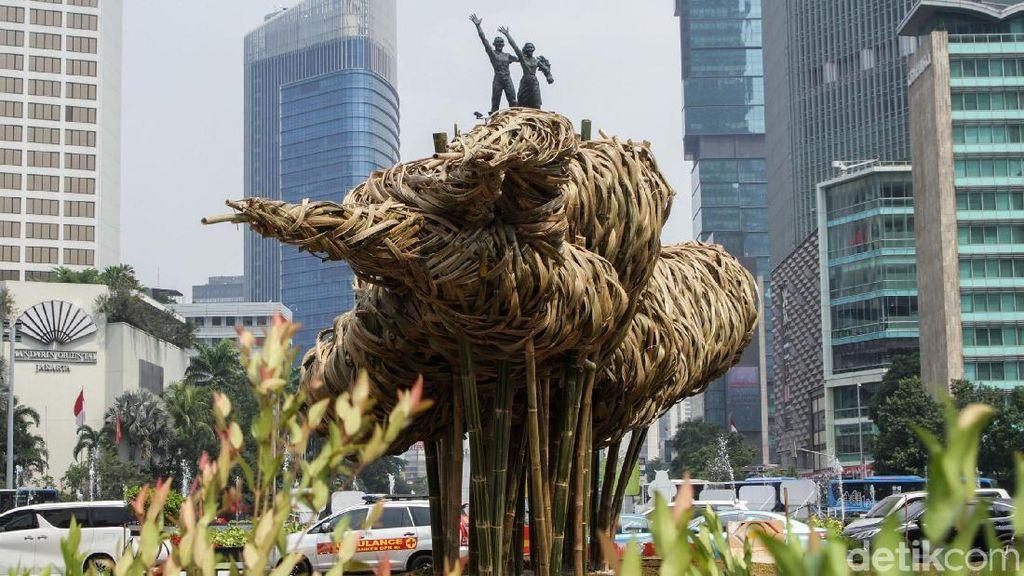 Ini Filosofi Karya Seni Bambu Getah Getih di Bundaran HI