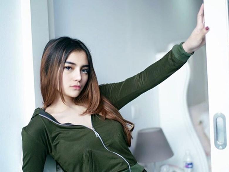 Model Seksi Nabila Aprillya Kini Lepas Hijab, Ini Kata Atta Halilintar