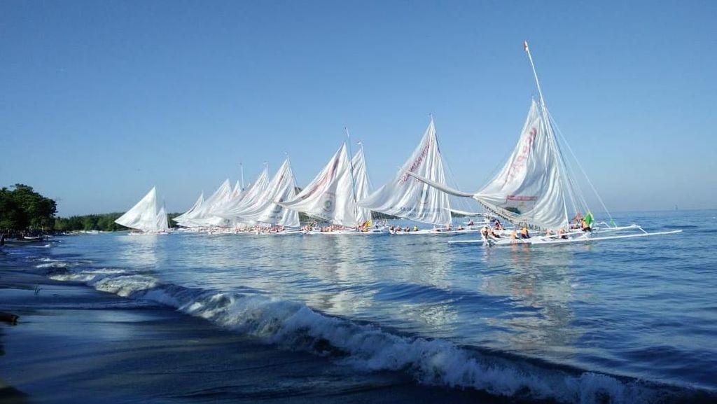 Kemenpar Gelar Lomba Perahu Sandeq di Polewali