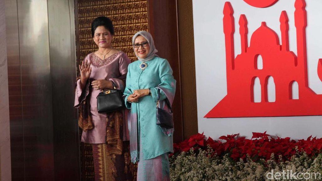 Foto: Gaya Iriana Jokowi Pakai Tas Fendi ke Sidang MPR