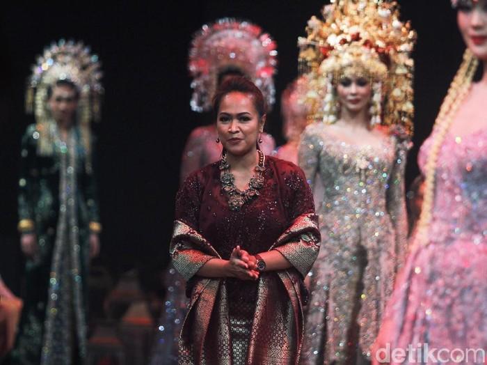 Desainer Vera Anggraini atau lebih dikenal dengan Vera Kebaya. Foto: Mohammad Abduh/Wolipop