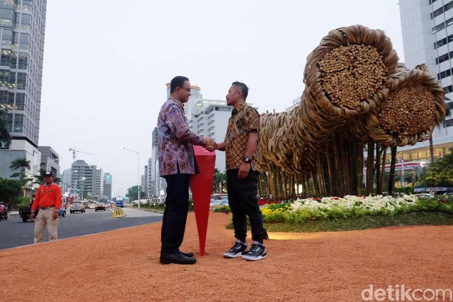 Anies Resmikan Instalasi Bambu Rp 550 Juta di Bundaran HI