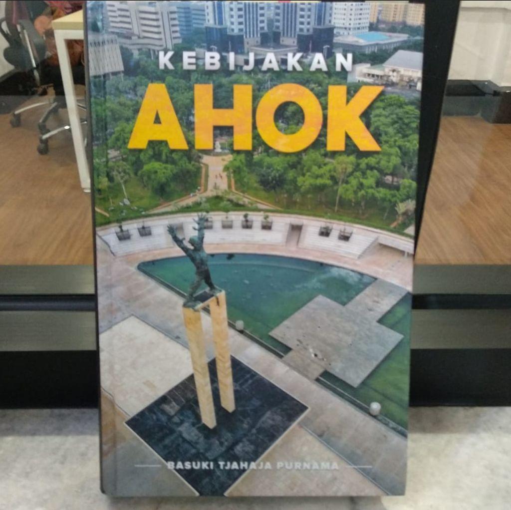 Ketua DPRD Berikan Buku Kebijakan Ahok ke PKS, Ini Alasannya