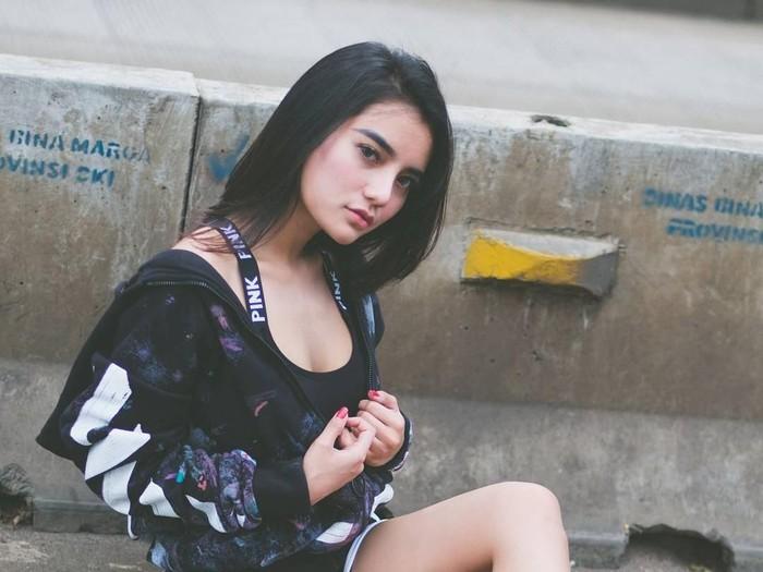 Nabilla Aprillya dari instagram dan blog.