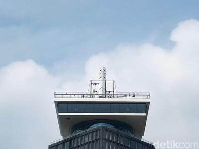 Ayunan Paling Tinggi di Eropa, Lihat dari Bawah Saja Ngeri