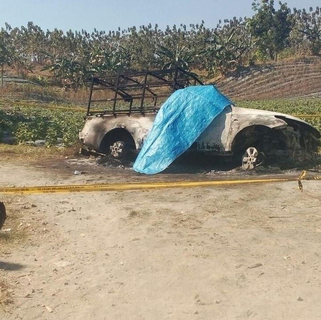 Penampakan Mobil Polisi Hutan Dibakar Orang Tak Dikenal di Jateng