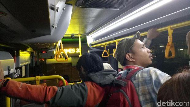 Fasilitas Bus di GBK Belum Berjalan Efektif