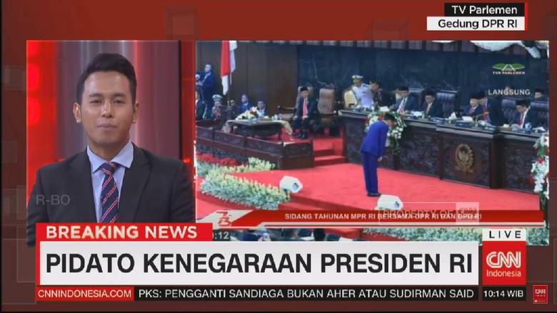 Jokowi Kembali Bungkukkan Badan ke Anggota Dewan di Sidang Tahunan