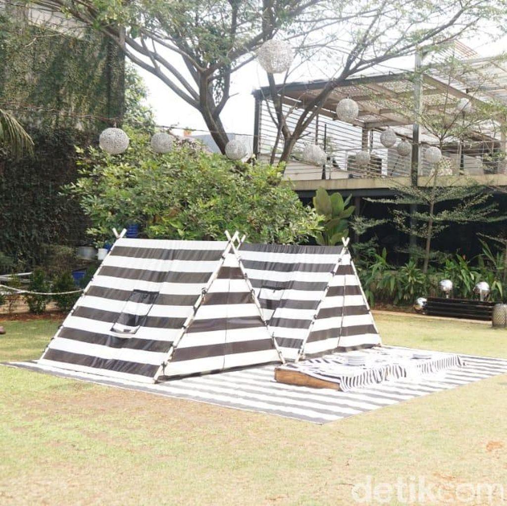 Tsamara Resto : Bisa Makan Gurame Saos Thailand Sambil Piknik Seru di Sini