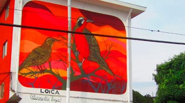 Kini pemukiman ini punya lebih dari 40 bangunan dengan seni mural. (museoacieloabiertoensanmiguel.cl)