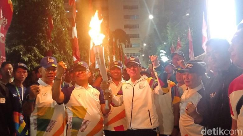 Lari Bawa Obor Asian Games, Yasonna: Rasanya Seger dan Bangga