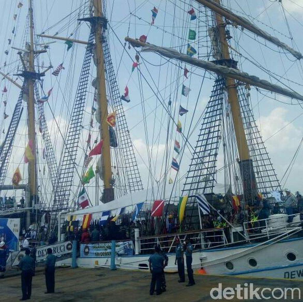 Sukseskan Asian Games, Kapal Dewaruci Berlabuh di Palembang