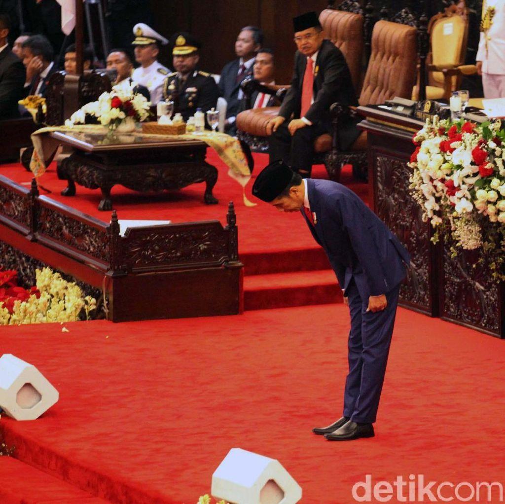Pidato di Sidang Tahunan, Jokowi Bungkukkan Badan ke Anggota Dewan