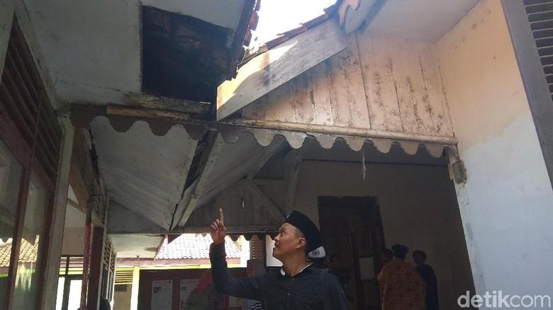 Kondisi Gedung Kawedanan Rengasdengklok yang memprihatinkan (Luthfiana/detikTravel)