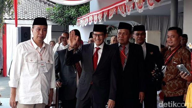 Sandiaga Uno di upacara bendera UBK